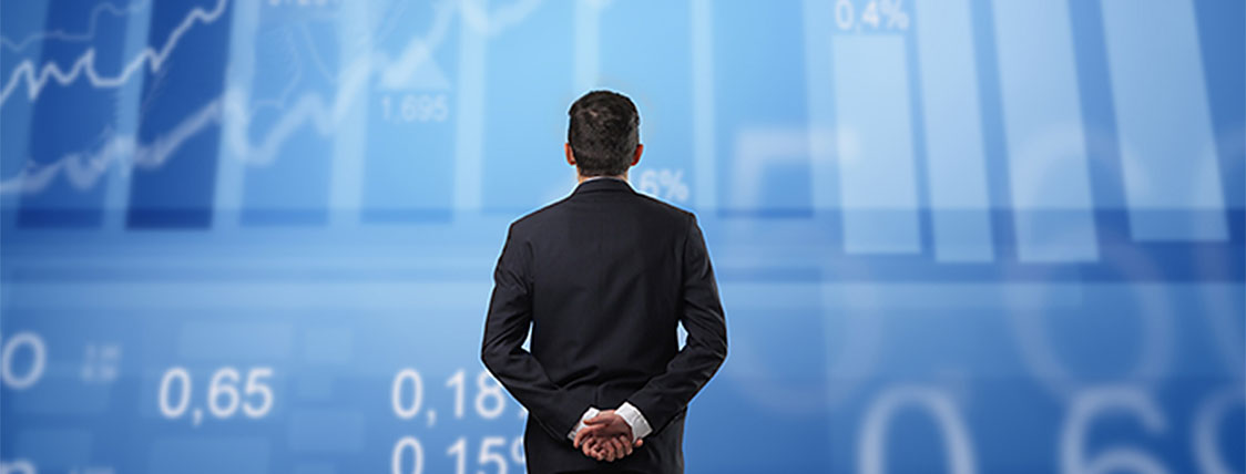 Man looking for reasons to become a CFA Charterholder