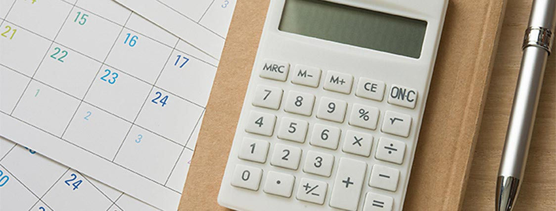 Calculator used to determine how much the CFA Program will cost